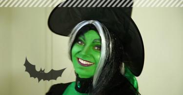 Unser Model Kim fertig geschminkt als grüne Hexe.