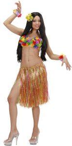 Frau im Hula Kostüm