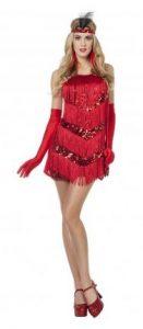 Model im roten 20er Jahre Kleid im Flapper-Style