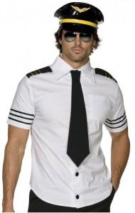 Mann im sexy Pilotenkostüm