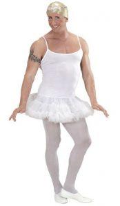 Mann im weißen Ballerina Kostüm