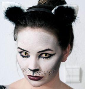 Katzen Kostüm mit Kontaktlinsen
