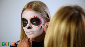 Sugar Skull schminken - Verzierung