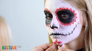 Sugar Skull schminken - Details einarbeiten