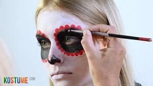 Sugar Skull schminken - Glitzer auftragen