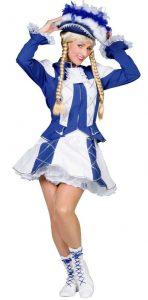Frau im blauen tanzmariechen Kostüm