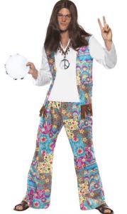 Mann im Hippie Kostüm mit Langhaarperücke