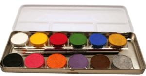 Geöffnetete Schminkpalette mit 12 Farben