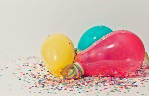 bunte-luftballons