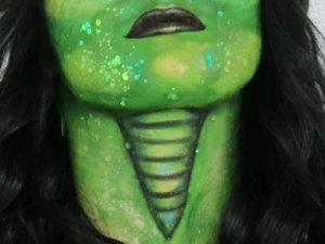 Tipps & Tricks - Schlangenhals schminken