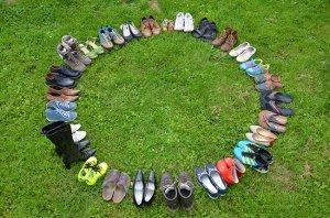 Schuh Kreis auf einer grünen Wiese
