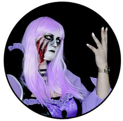 Halloween gruselig schminken mit hexen Kostüm