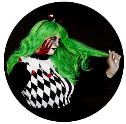 Halloween Horror Make Up und Harlekin Kostüm