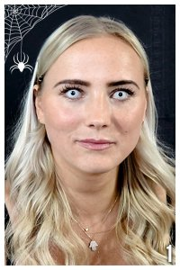 Gruseliges Schmink Tutorial Erster Schritt mit Halloween Kontaktlinsen