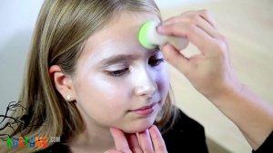 Hexe Make Up für Kinder